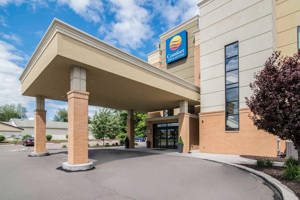 Comfort Inn & Suites: 2160 Elmira St, Sayre, PA