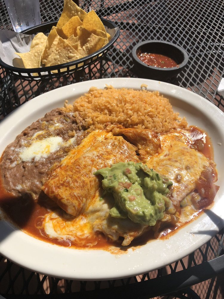 Ayutlense Family Mexican Restaurant: 120 E Steuben St, Bingen, WA