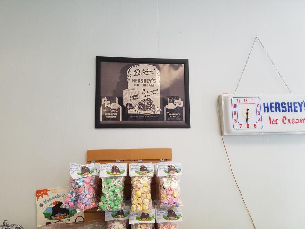 Li'L River Fudge Shop #073: 24A James Street, Alexandria Bay, NY
