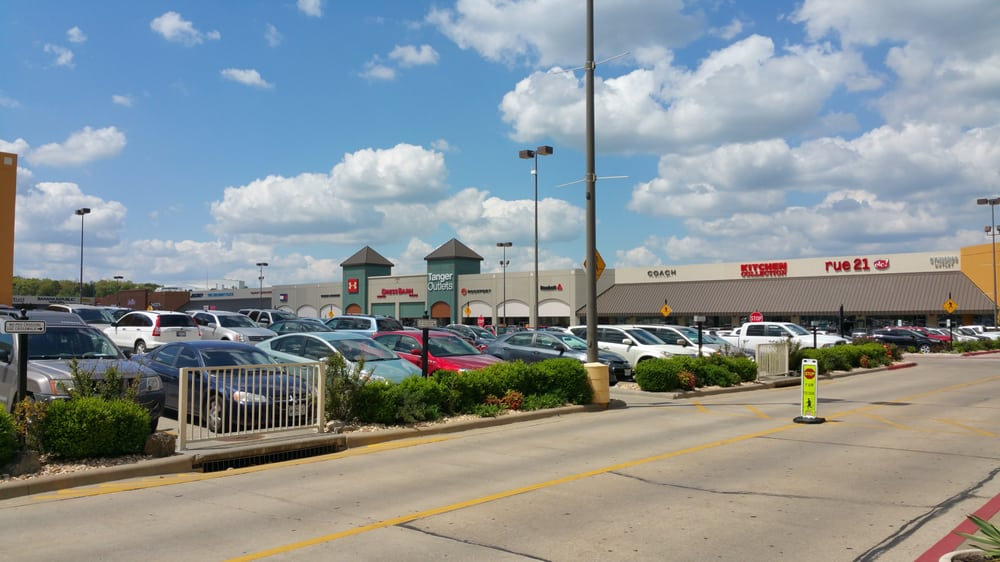544a8710cf Tanger Outlets - Branson - 36 Photos   83 Reviews - Outlet Stores - 300  Tanger Blvd