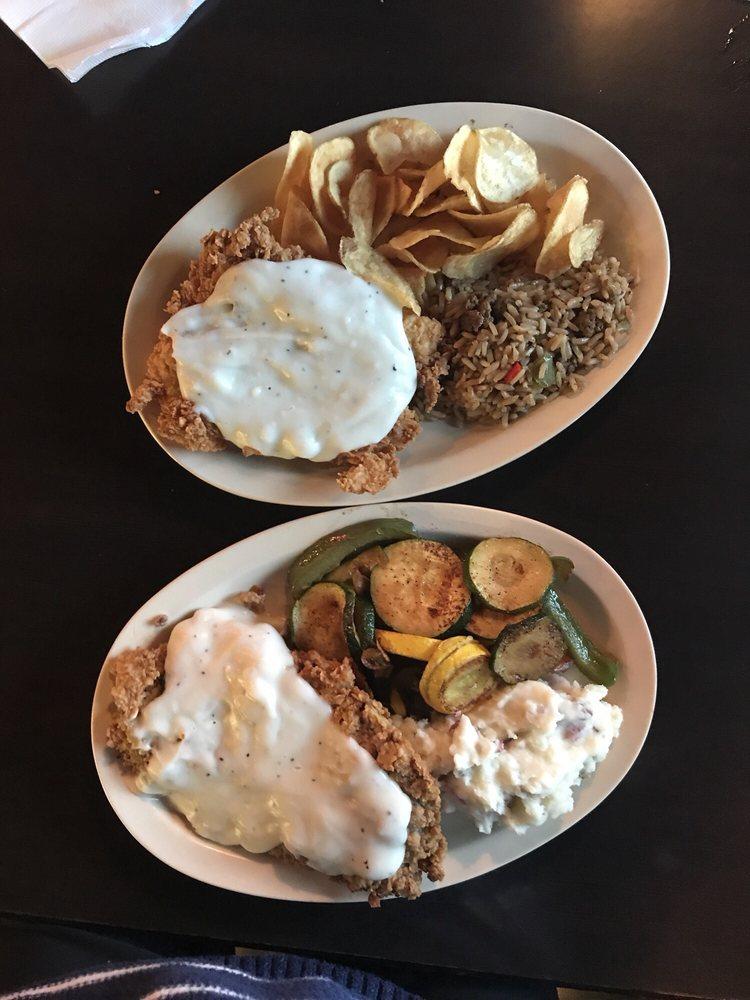 Hamilton's Restaurant & Bar: 8460 Central Mall Dr, Port Arthur, TX