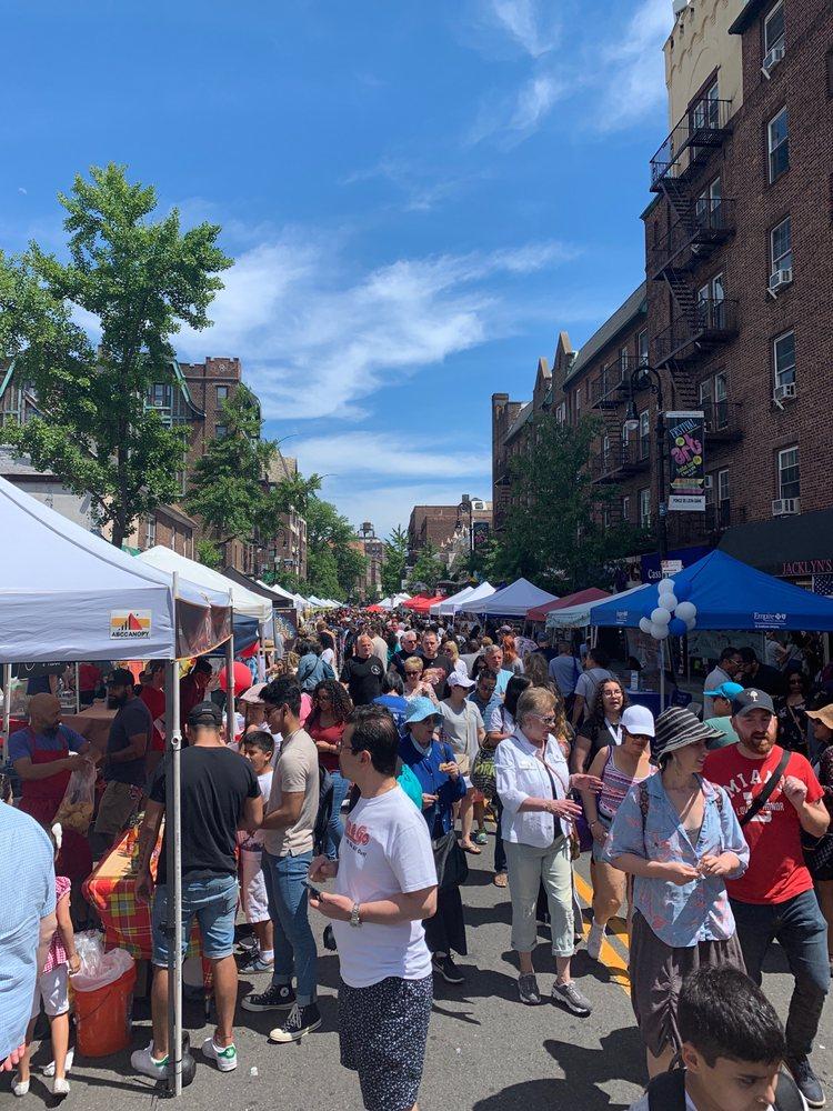 austin street fair: Queens, NY
