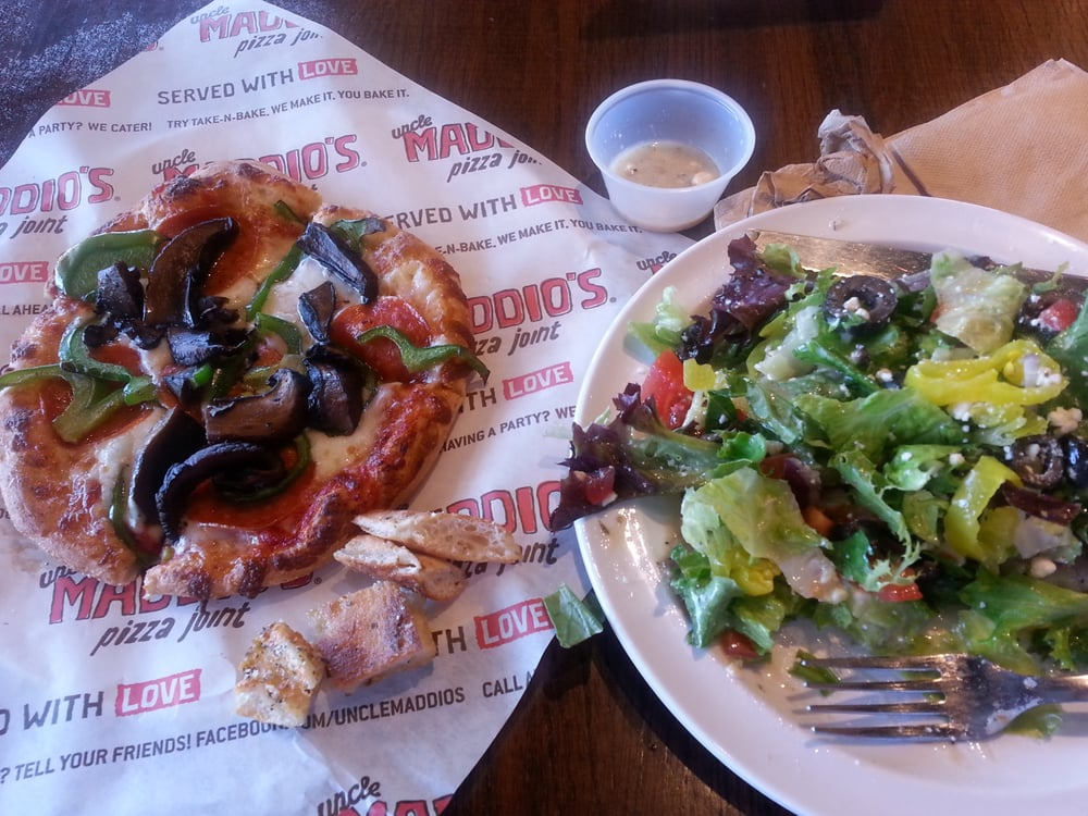 barbecue chicken pizza s meal pizza salad yelp 30084