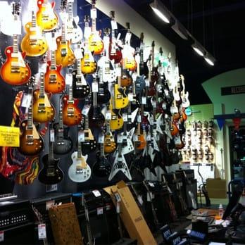 guitar center 23 photos 28 reviews guitar stores 5752 s redwood rd salt lake city ut. Black Bedroom Furniture Sets. Home Design Ideas