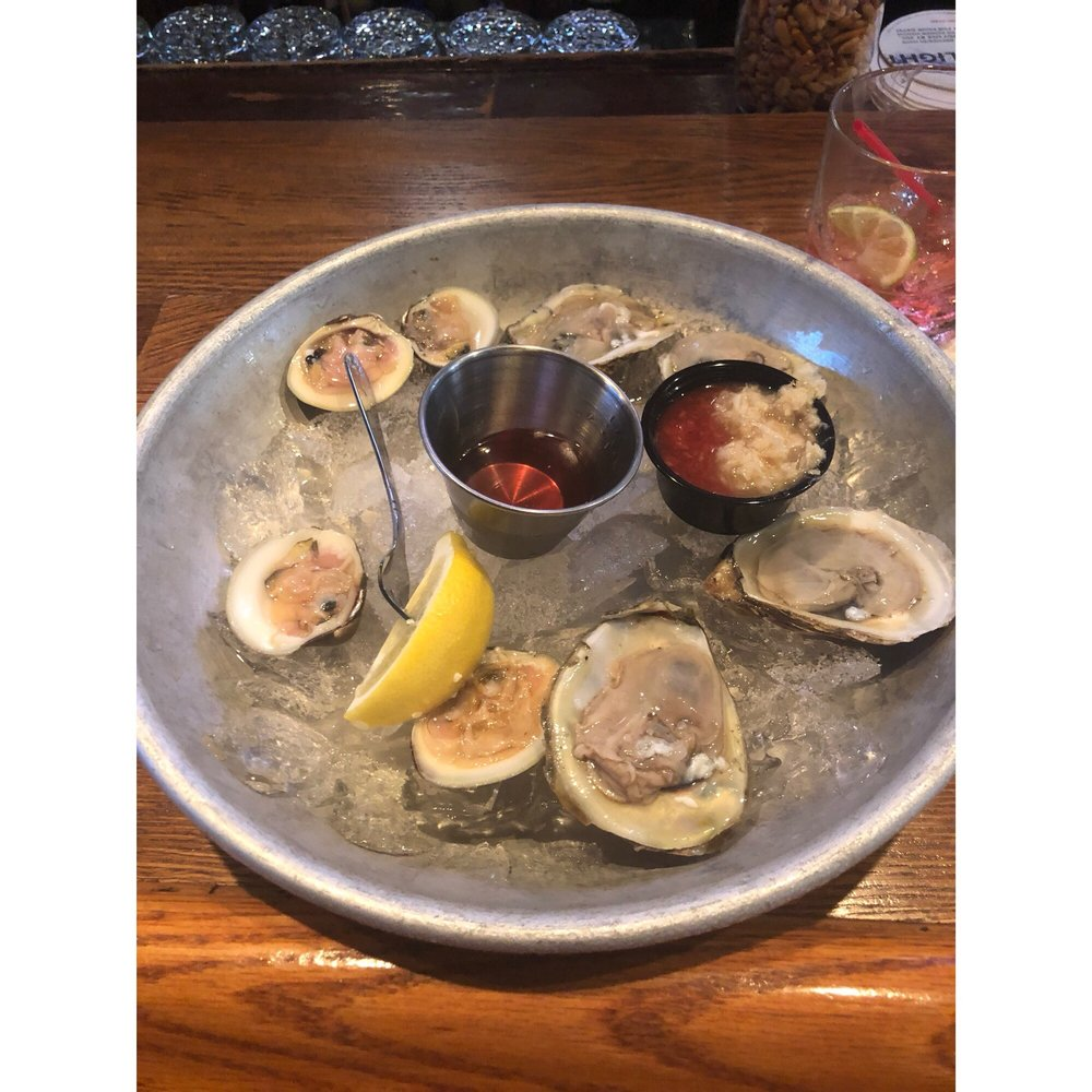 Buckalew's Restaurant & Tavern: 101 N Bay Ave, Beach Haven, NJ