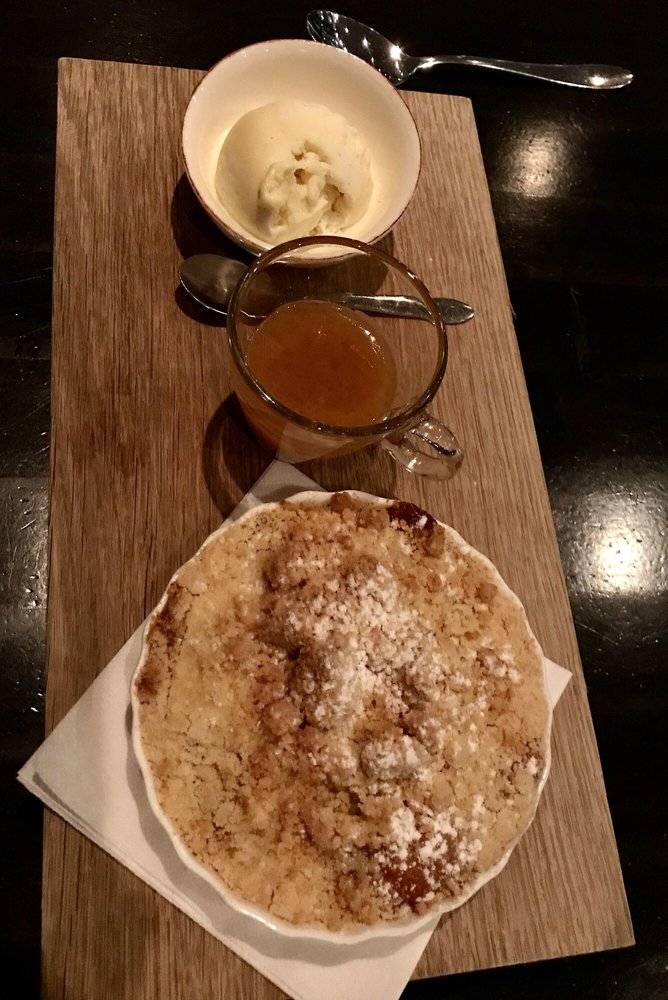 BERZELIUS Bar & Matsal