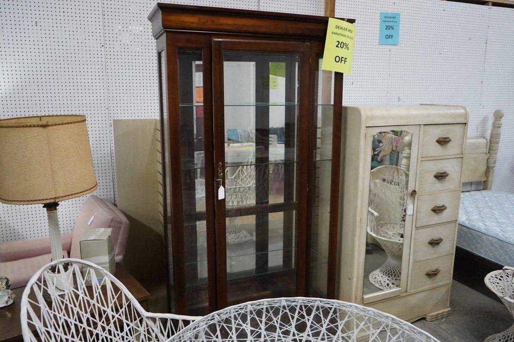 Gardendale Flea Mall & Antique Center: 2405 Decatur Hwy, Gardendale, AL