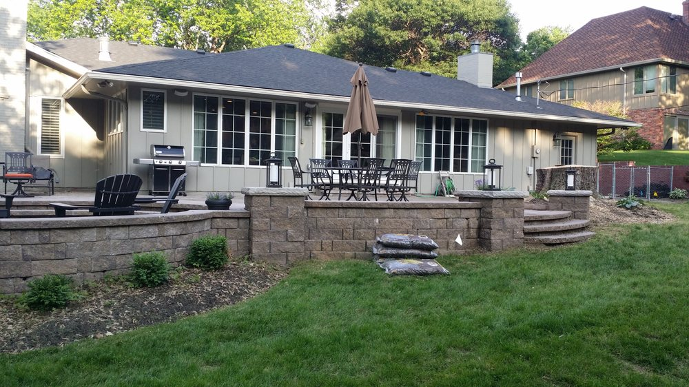 A Clean Cut Lawn and Landscape: 1112 N 155th Ave, Omaha, NE