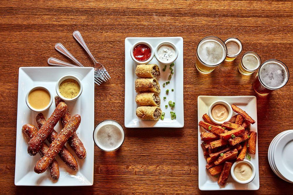 Iron Hill Brewery & Restaurant: 620 Justison St, Wilmington, DE