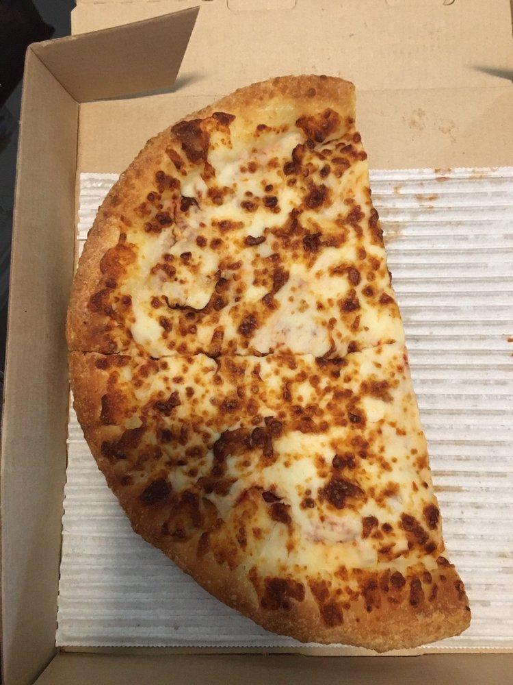 Pizza Hut: 1 Saarinen Cir, Sterling, VA