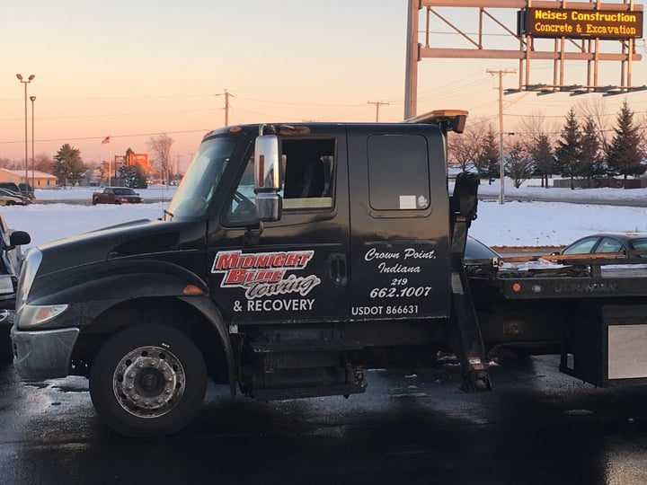 Towing business in Winfield, IN