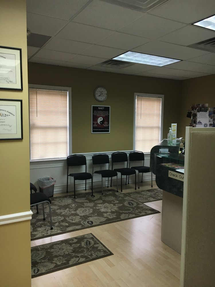 Center For Chiropractic & Holistic Care