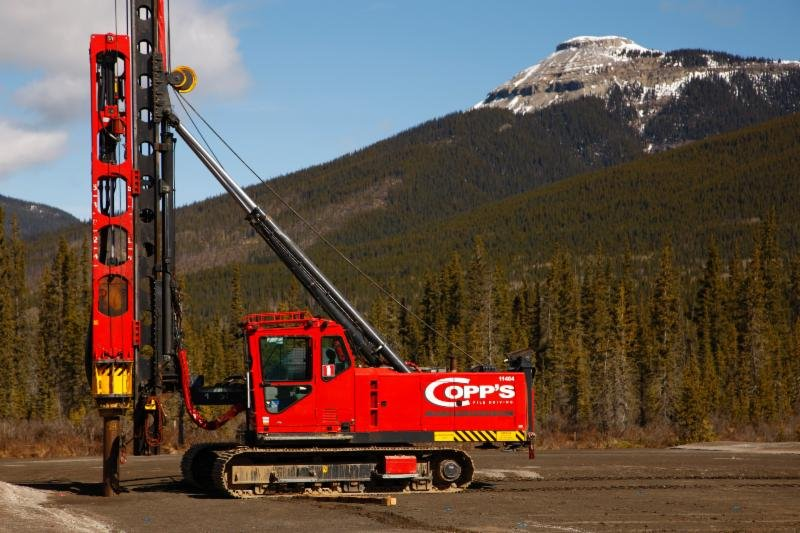 Copps owns a large fleet of tracked Junttan hydraulic piling