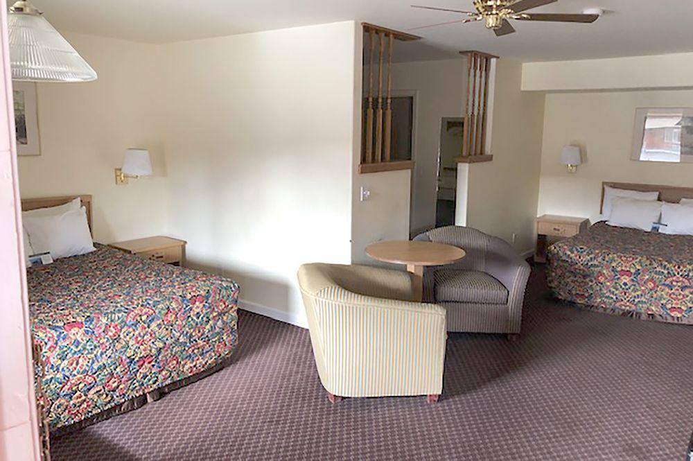 OYO Hotel Winnemucca NV I-80: 1620 W Winnemucca Blvd, Winnemucca, NV