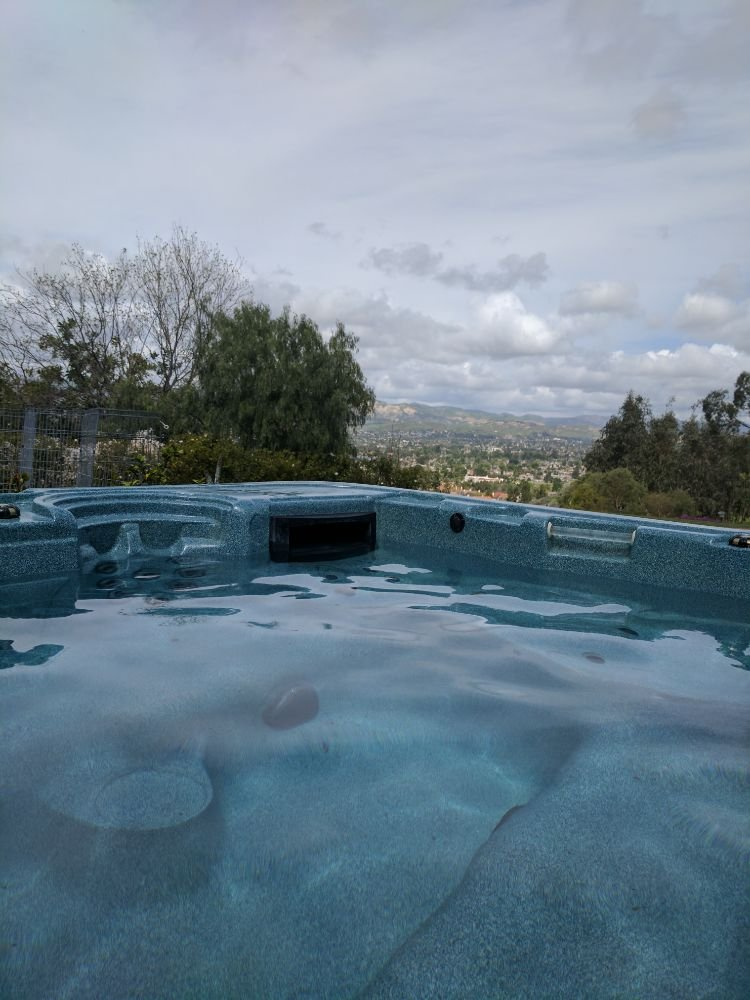 Pure water pool and spas nettoyage piscine simi valley for Piscine vallet