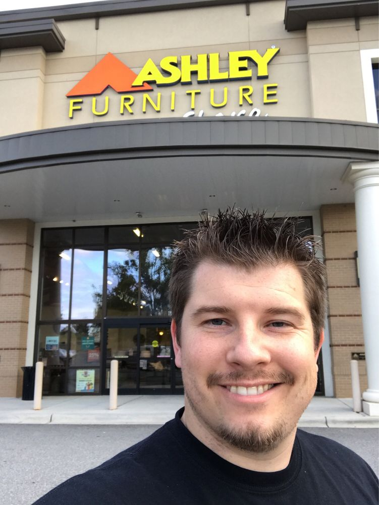 Ashley HomeStore: 649 River Highway, Mooresville, NC