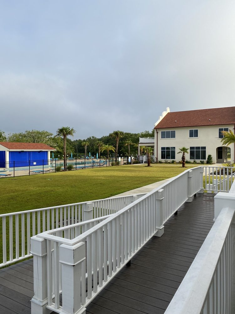 Oasis Resort: 200 E Beach Blvd, Gulfport, MS