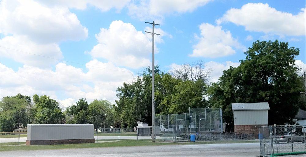 Rodger G Wolcott Memorial Park: 202 Blake St, Wolcott, IN