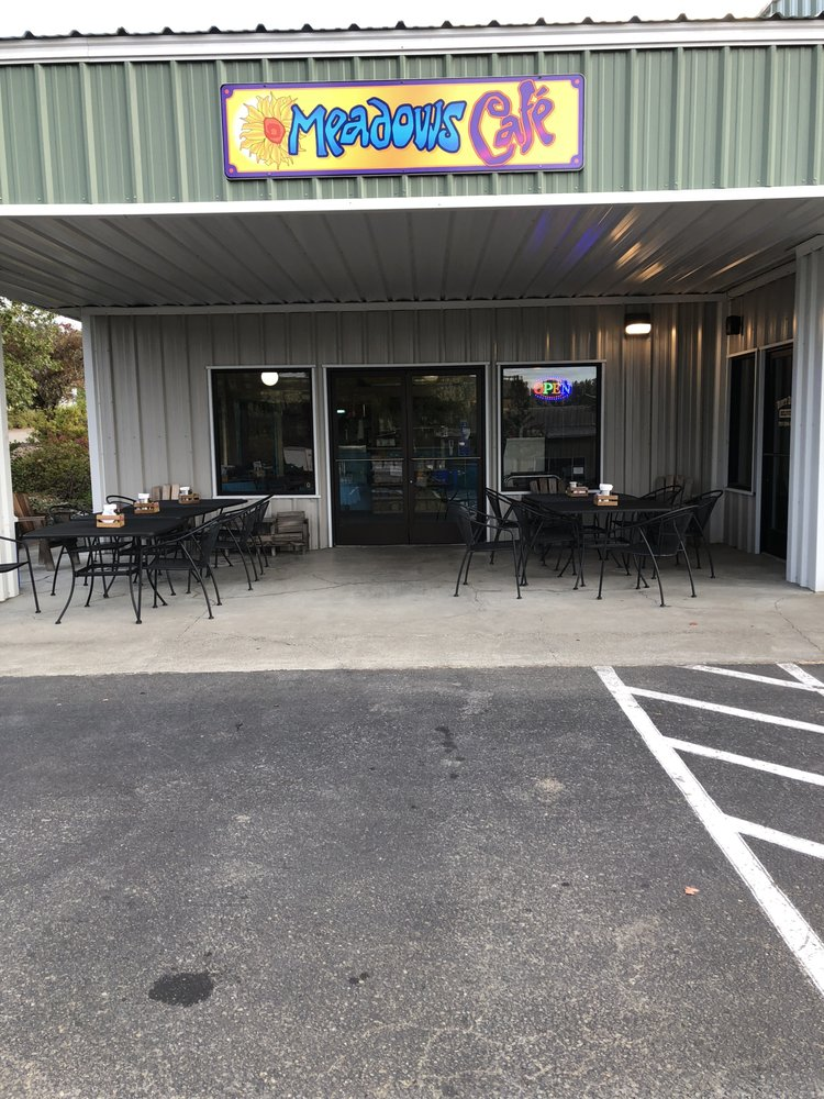 Meadows Cafe: 1211 Evergreen Rd, Redway, CA
