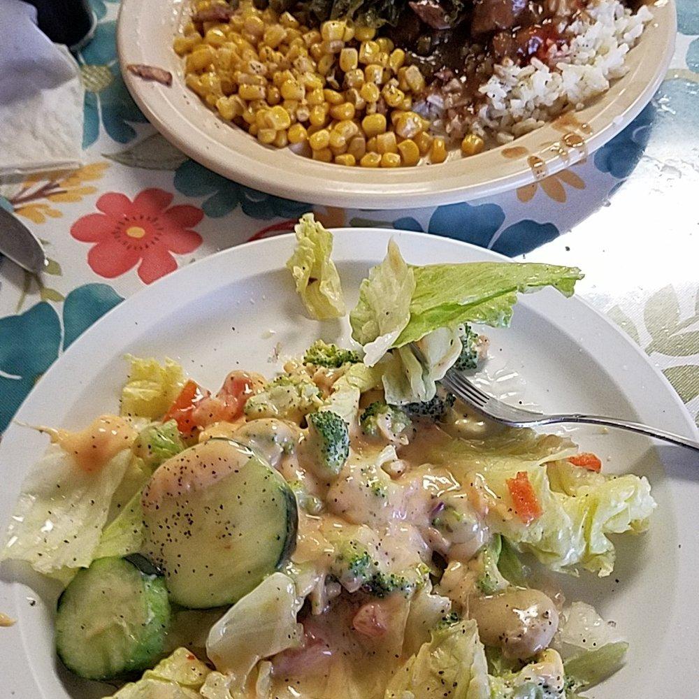Mama's Kitchen: 500 S Velasco S, Angleton, TX