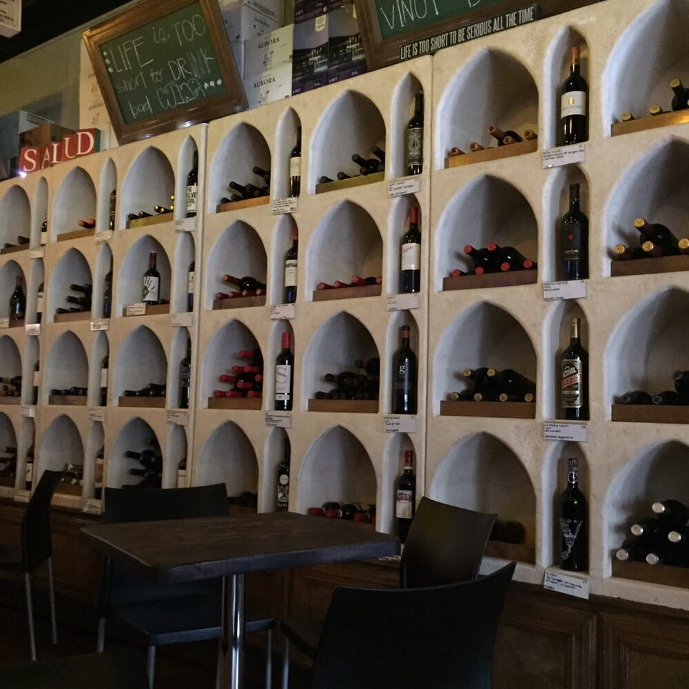 tinto y blanco 30 photos 17 reviews wine bars plaza real shopping center guaynabo. Black Bedroom Furniture Sets. Home Design Ideas