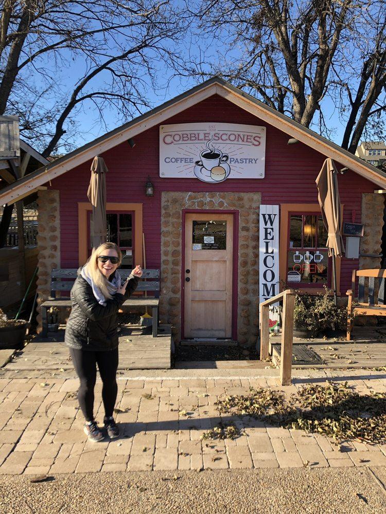 Cobblescones: 172 E Lake Dr, Medicine Park, OK