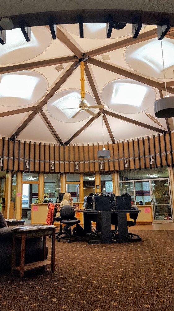 Glendive Public Library: 200 S Kendrick Ave, Glendive, MT