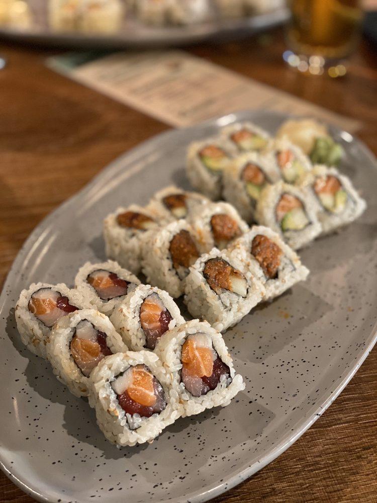 Jade Sushi & New Asian: 2425 Edgewater Dr, Orlando, FL