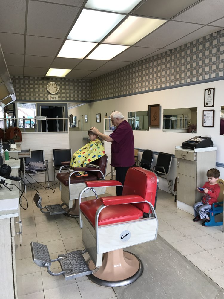 Jerry's Hair Cutting With Style: 460 Common St, Belmont, MA