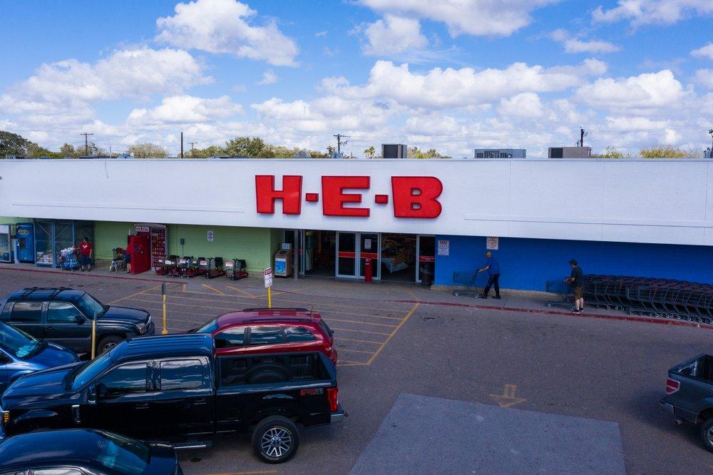 H-E-B: 601 E San Patricio, Mathis, TX