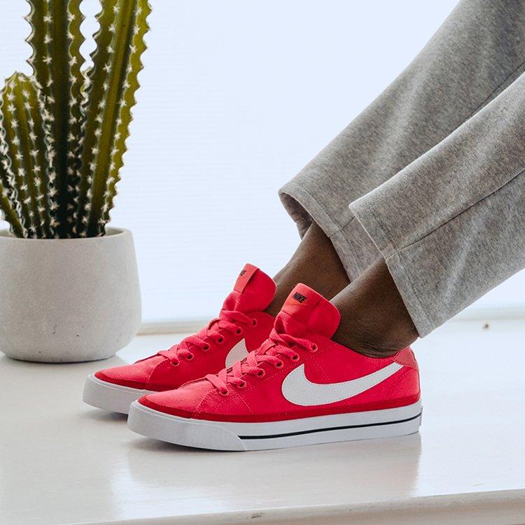 Famous Footwear: 1350 East Hillside Drive, Broken Arrow, OK