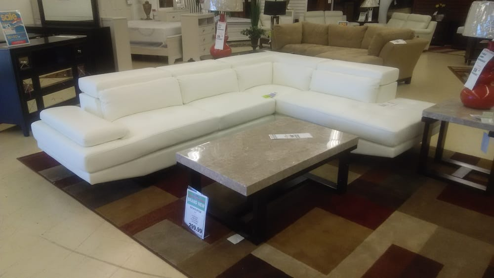 Rooms To Go Clearance Furniture Stores 2730 Queen City