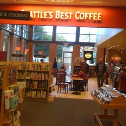 Borders Books Music & Cafe - CLOSED - 12 Reviews - Music