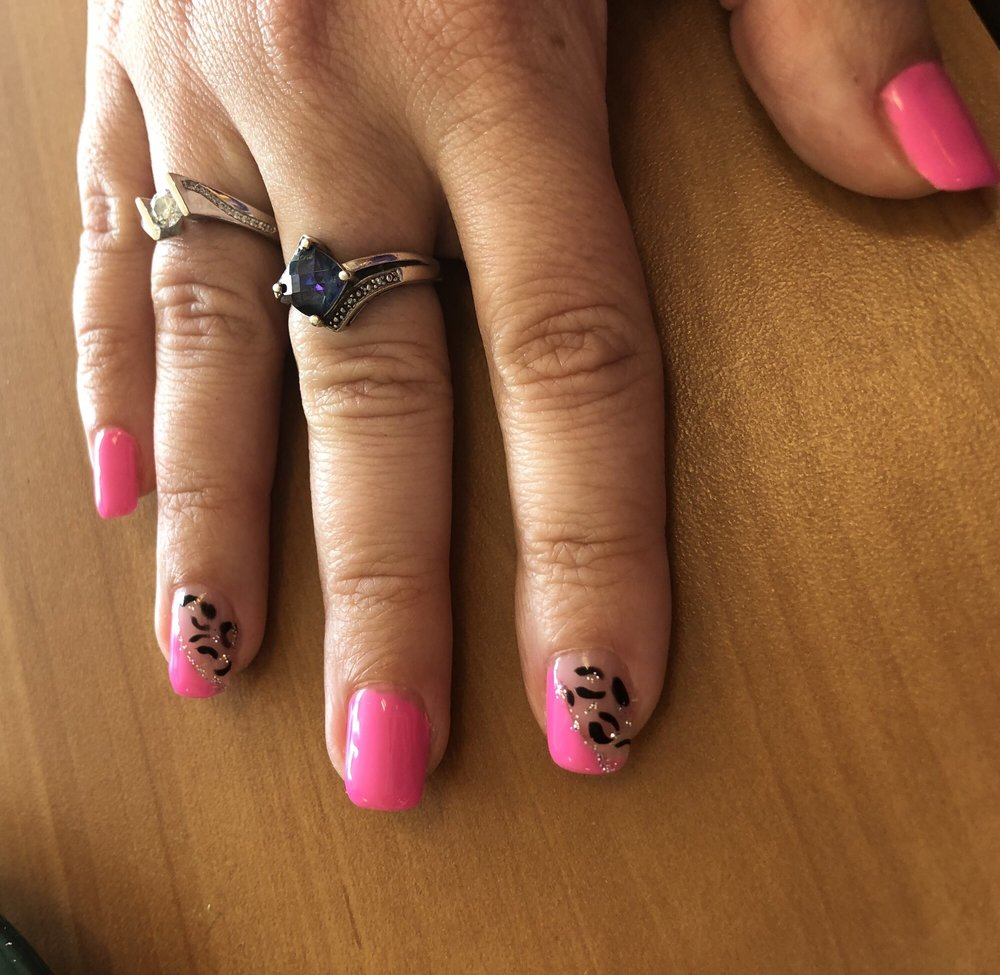 J Nails & Spa: 2311 Randall Rd, Carpentersville, IL
