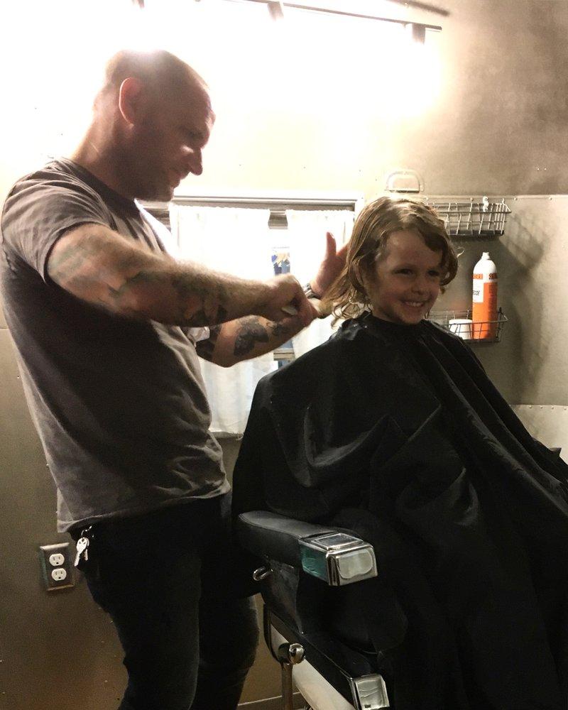 Barber Shop San Antonio : Traveler Barbershop - Mens Hair Salons - 2202 Broadway, San Antonio ...