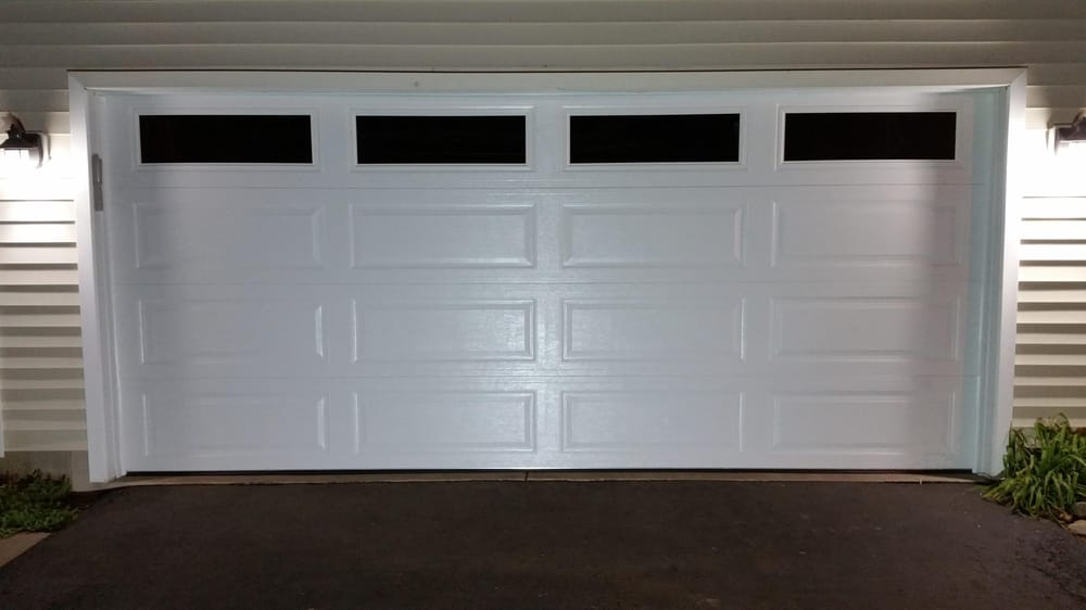 16x7 garage doorThis is a door Link 511 16x7  ranch panel white with clear