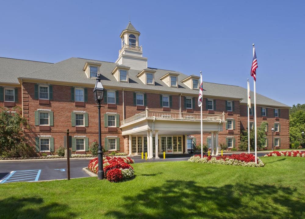 Hotels Near Tinton Falls Nj