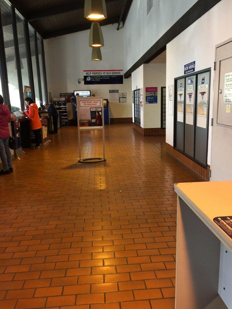 Us post office 13 photos 83 avis bureau de poste for Bureau de poste rousset 13