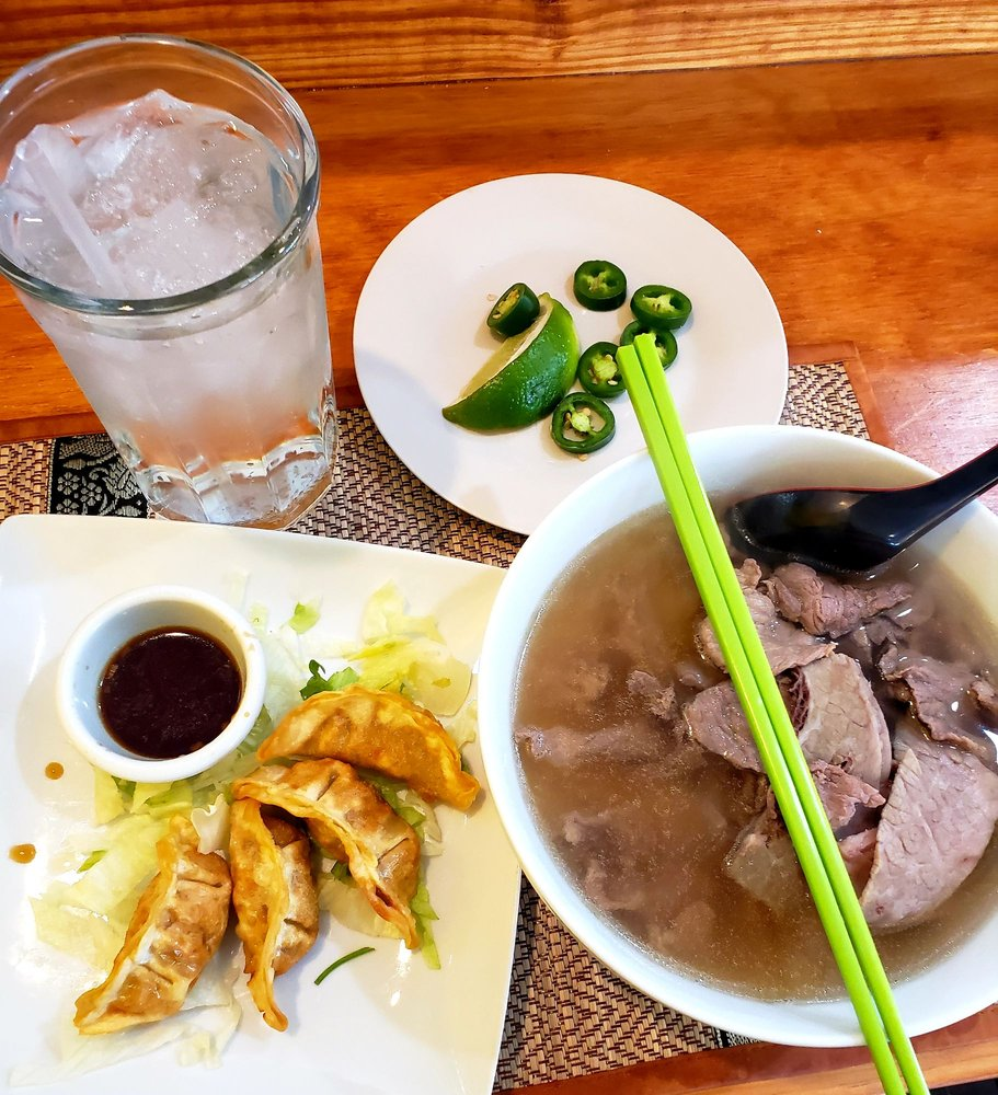 Thai Noodle World: 1509 NW 52nd St, Lawton, OK