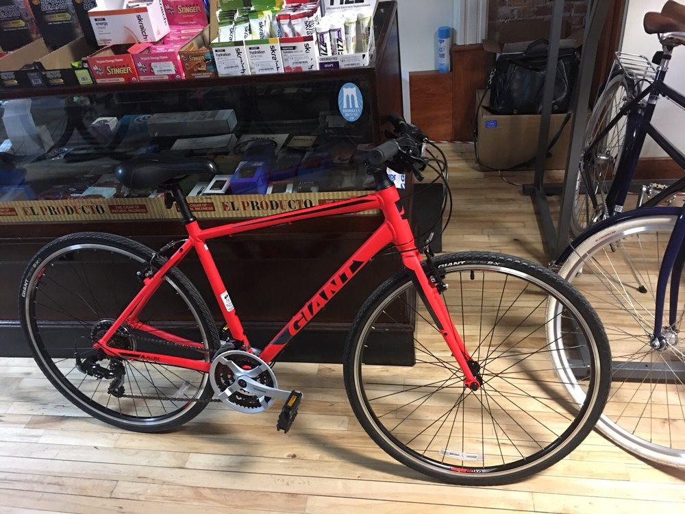 L B Lightning Cyclery: 15 E Genessee St, Auburn, NY