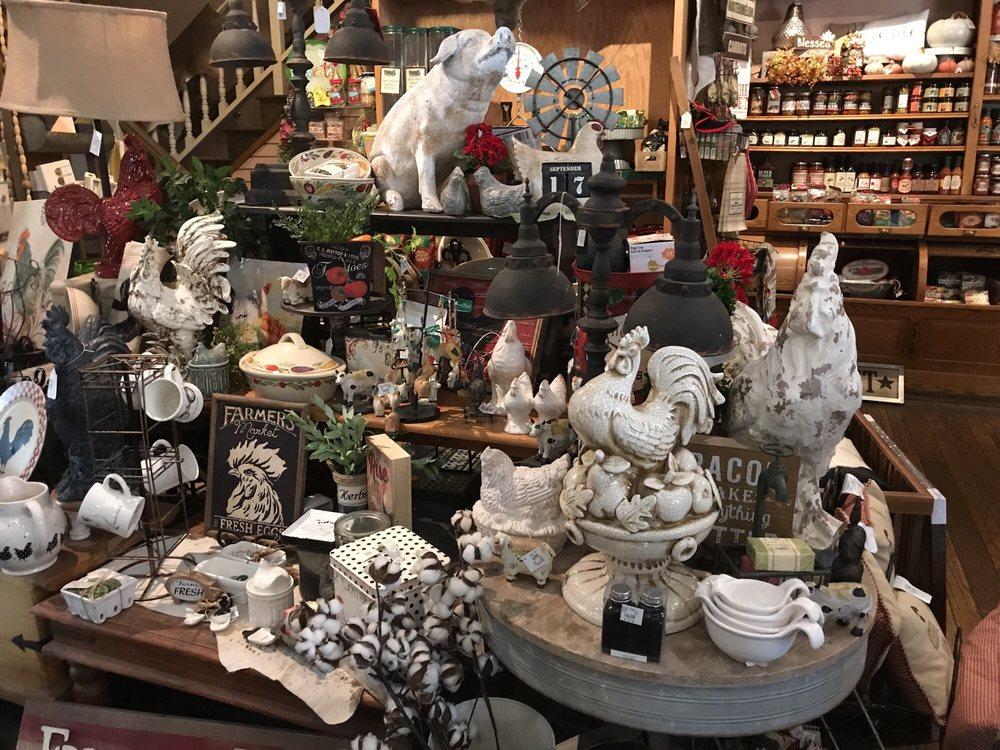 Harris Ranch Country Store: 24505 W Dorris Ave, Coalinga, CA