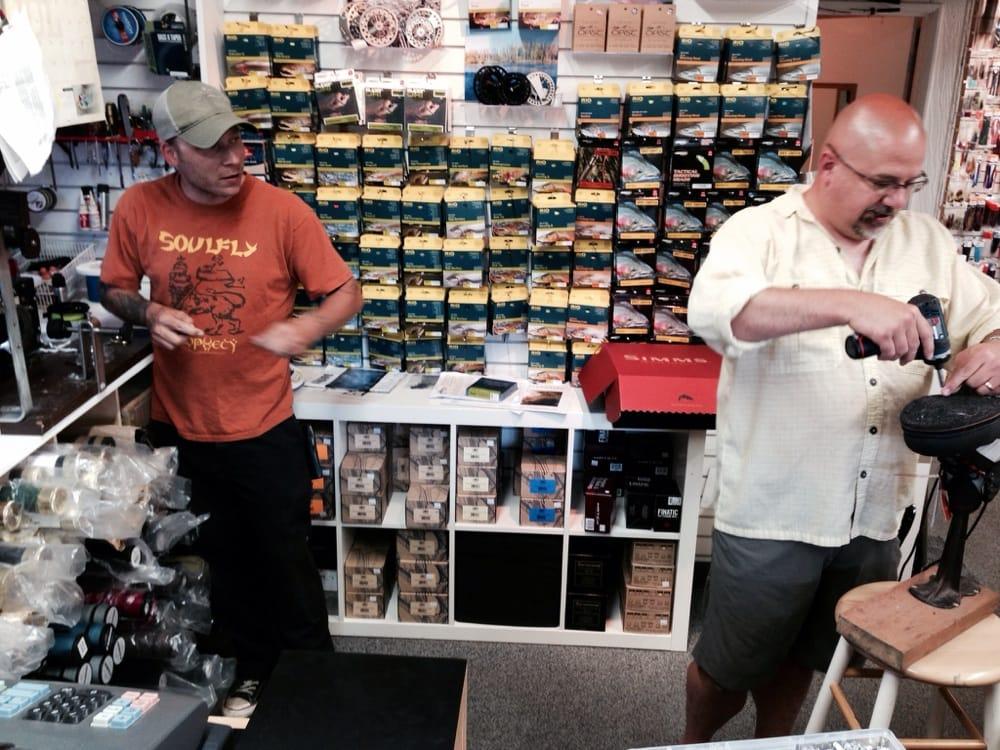 Northwest flyfishing outfitters hobby shops 10910 ne for Fishing store portland