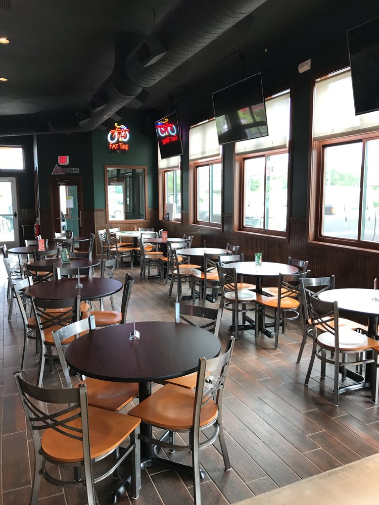 Sully's Irish Pub: 860 1st St, West Des Moines, IA