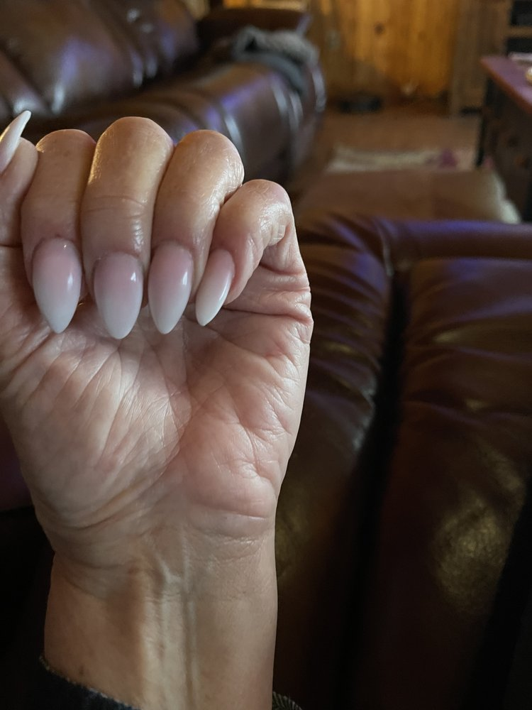 5 Sisters Nails & Spa: 914 E Main St, Spartanburg, SC
