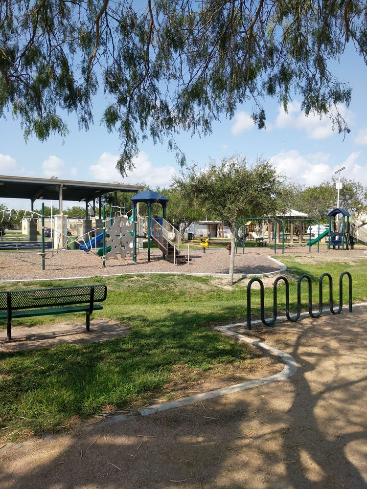 Roloff Park: Santa Isabel Blvd, Laguna Vista, TX