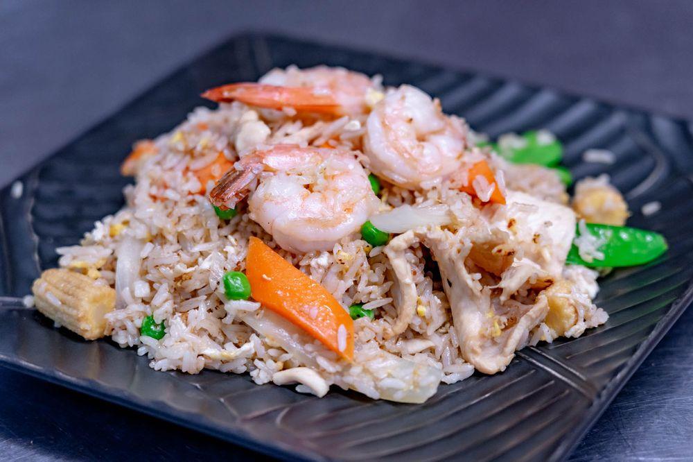 Check In Thai Cuisine: 321B W Grove St, Middleborough, MA