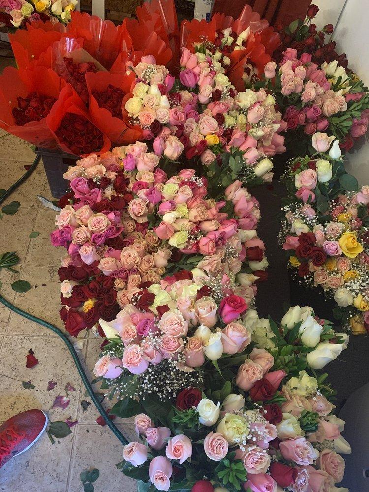 Maps Flowers: 11594 Autumns St, Adelanto, CA