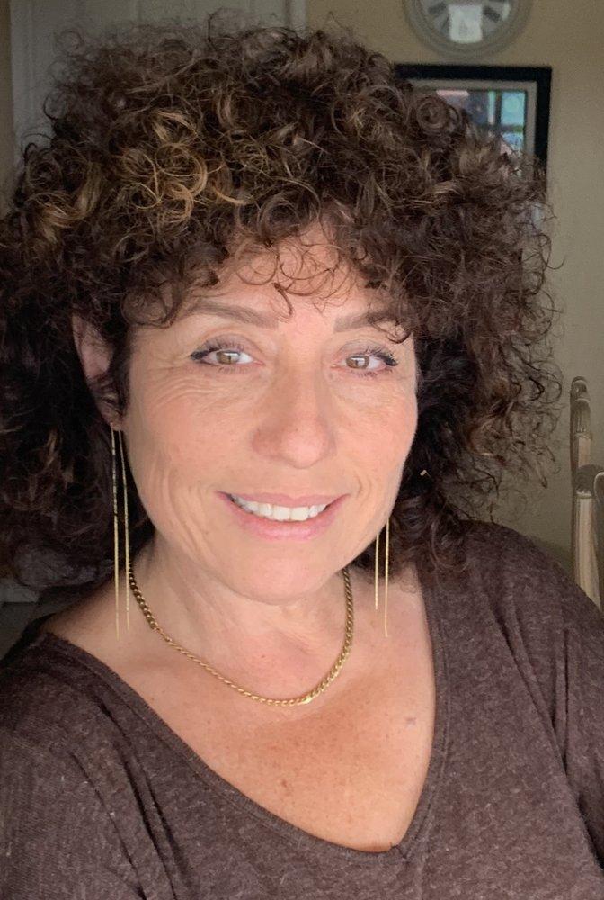 Ella Begelfor, MFT, Hypnotherapist