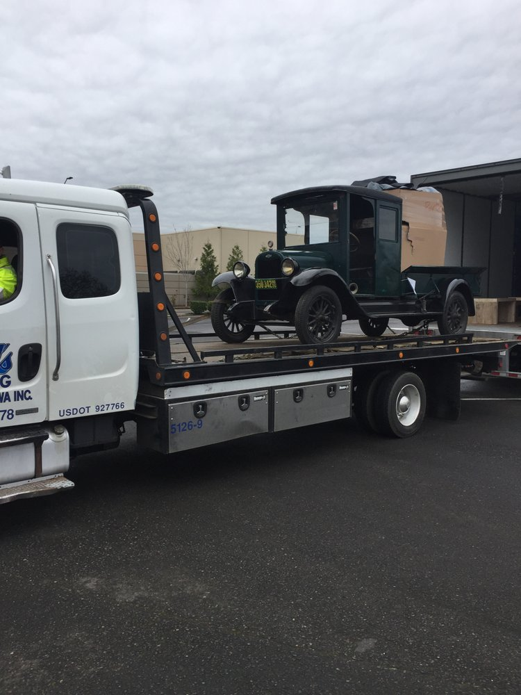 Towing business in Minnehaha, WA