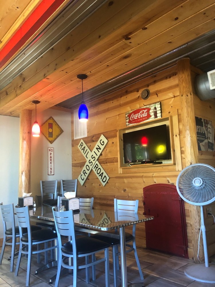 Backyard Bar and Grill: 204 1st Ave, Pemberton, MN